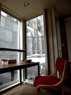 Art and Museum Library (KMB), with a close-up view of Cologne Cathedral